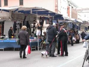 carabinieri al mercato di rovigo