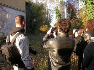 davanti al murale manicomio di rovigo